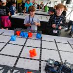 Looking for Volunteers for VEX Robotics Championship